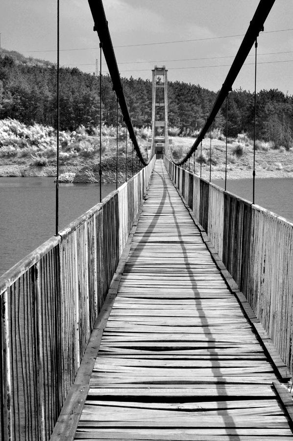 Село Лисиците – висящ мост