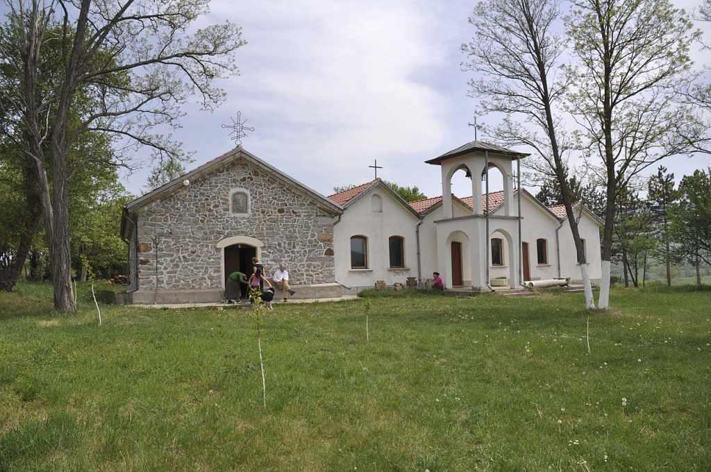 """Букоровският манастир """"Св. Георги Победоносец""""- единственият манастир в България и втори в света с пет църкви."""