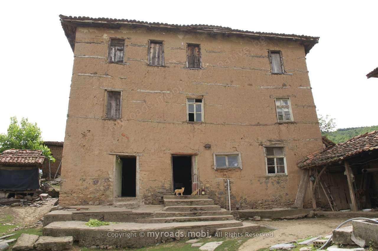 Село Мандрица – i mirëpritur или добре дошли на албански