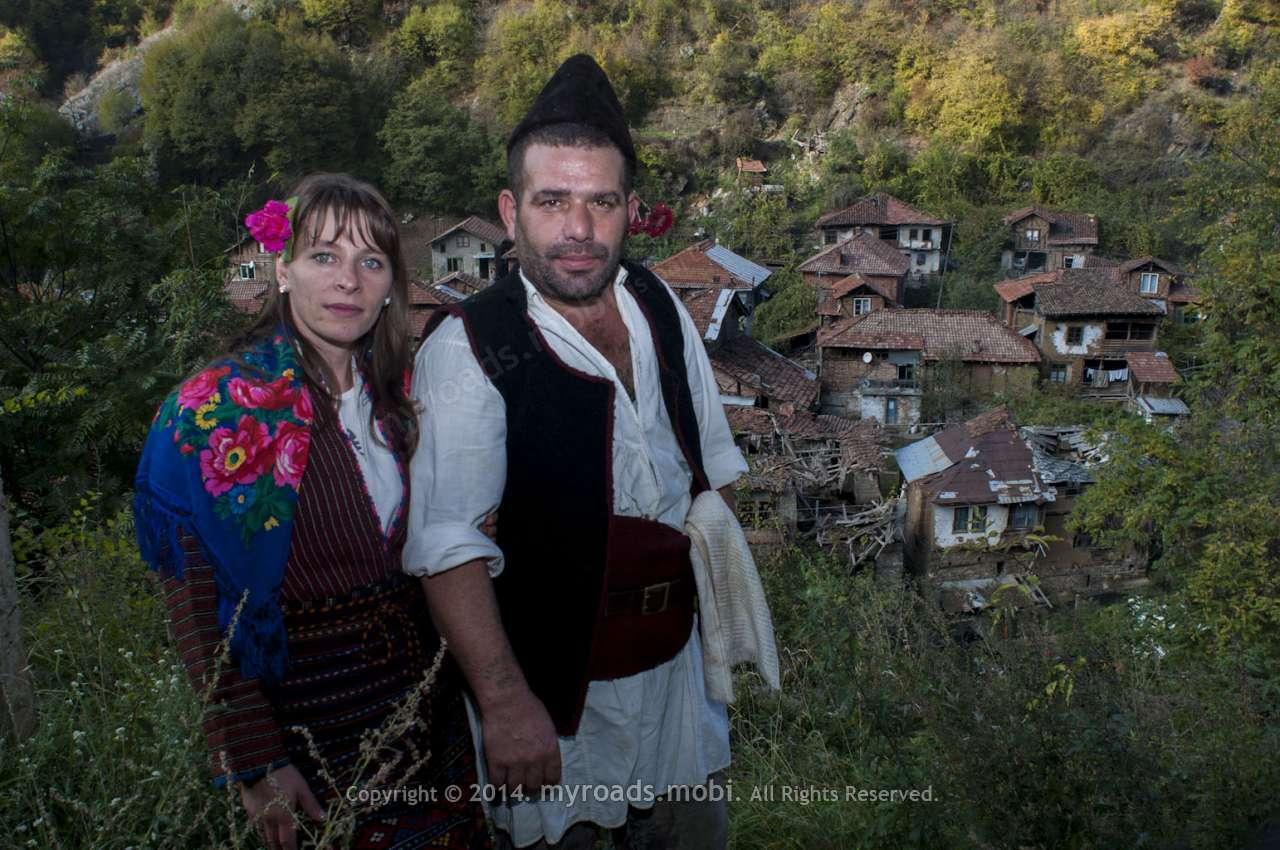 Българска народна носия от село Пирин
