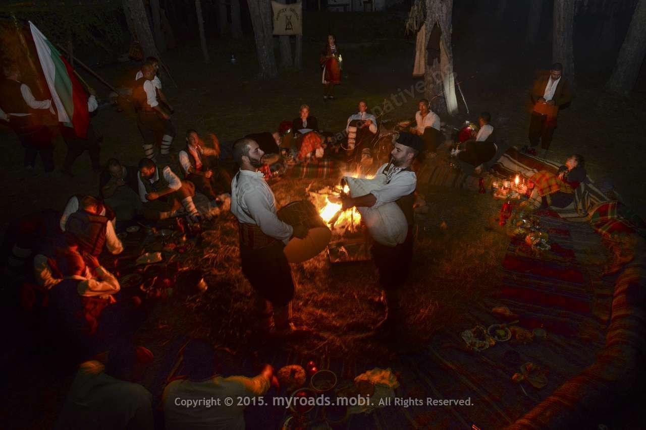 Събрали се родопски хайдути на хайдушкото сборище… + фотогалерия