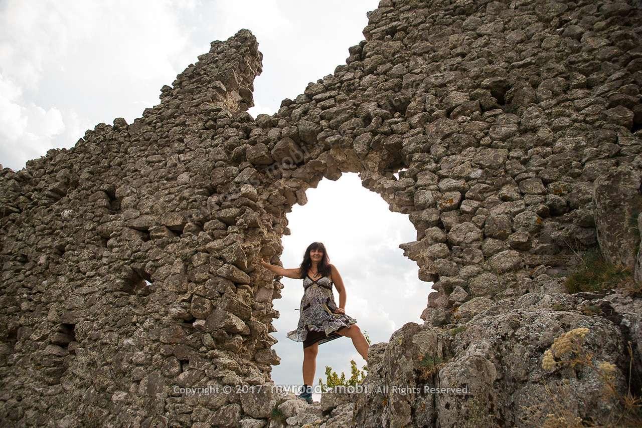 Крепостта Устра – изумителна от А до Я