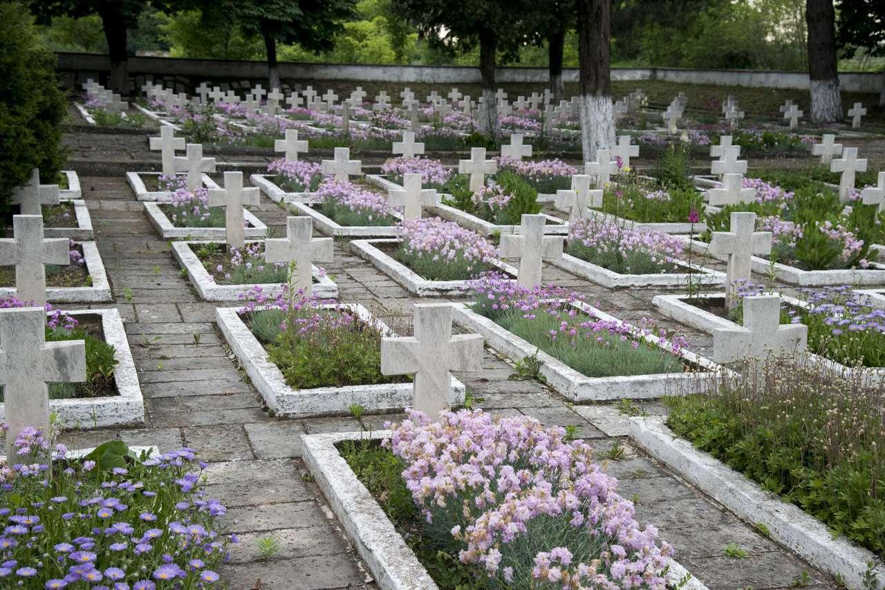 Мемориалното военно гробище при с.Шуменци – поклон пред паметта на хиляди загинали